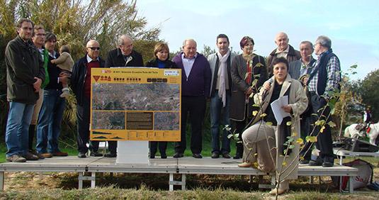 Autoridades inaugurando el itinerario