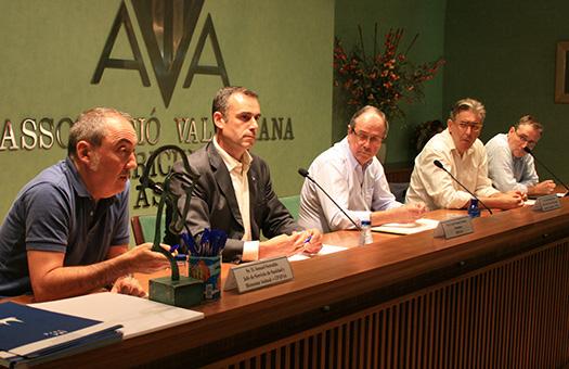 Mesa de ponentes de  la reunión sobre el sector equino del 23-09-13.